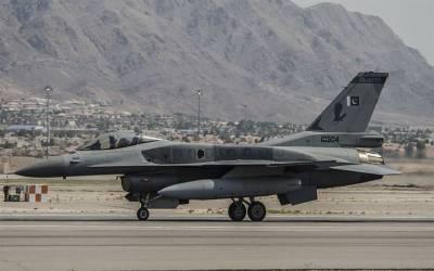 بھارت کے جنگی طیارے کو پاکستانی ایف 16 نے گھیر لیالیکن پھر شاہینوں نے ایسا کام کردیا کہ بھارتی حکومت پاکستان کی تعریفیں کرنے لگی