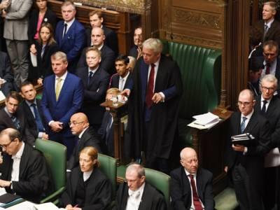 برطانوی وزیراعظم بورس جانسن کو ایک بار پھر بڑادھچکا لگ گیا