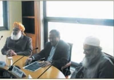 سوشل میڈیا پر مولانا فضل الرحمان اور اجیت دوول کی تصویر پر ہنگامہ لیکن اس تصویر کی اصل حقیقت کیا ہے؟ جانئے