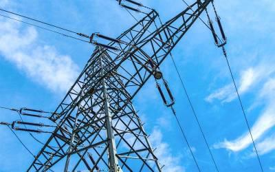 بجلی کی قیمت میں ایک مرتبہ پھر اضافے کا امکان ، کتنے روپے بڑھائی جا سکتی ہے ؟ پاکستانیوں کیلئے پریشان کن خبر