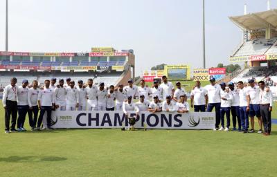 جنوبی افریقہ کو تیسرے ٹیسٹ میں اننگز اور 202 رنز سے شکست، بھارت نے سیریز 0-3 سے جیت لی