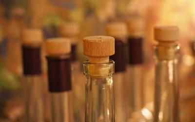 پاکستان میں لبنان اور الجیریا کے سفارت خانے شراب کی سمگلنگ میں ملوث نکلے
