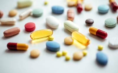 کس رنگ کی دوائی کھائیں تو جلدی آرام آجاتا ہے؟سائنسدانوں نے انتہائی حیران کن انکشاف کردیا