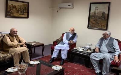 'اگر کرتار پور کھولا ہے تو پھر افغانستان کا راستہ بھی کھولا جائے' رہبر کمیٹی کی پریس کانفرنس میں اے این پی کا مطالبہ