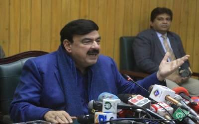 وزیر ریلوے شیخ رشید کا سانحہ لیاقت پور کے غم میں سالگرہ نہ منانے کا اعلان