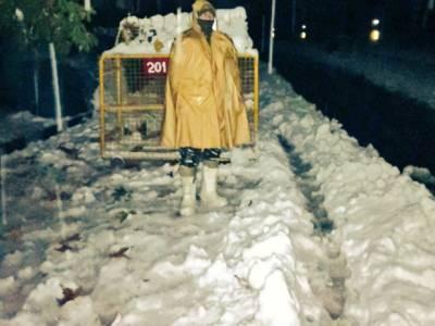 مقبوضہ کشمیر میں شدید برفباری سے 4 بھارتی فوجیوں سمیت 9 افراد ہلاک