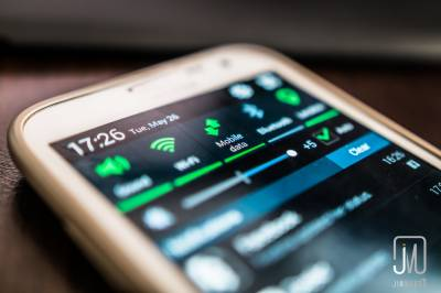 تعلیمی اداروں میں موبائل فون کے استعمال پر پابندی ، وجہ بھی سامنے آگئی