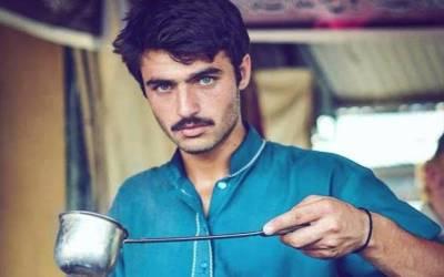 ارشد خان نے اپنا چائے کیفے کا برانڈ متعارف کرادیا