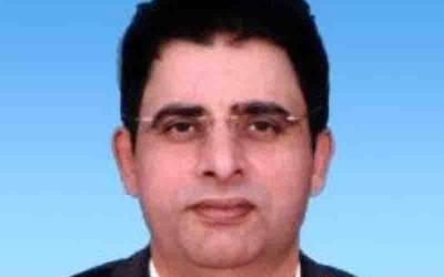 عمران خان نوازشریف کو علاج کیلئے بیرون ملک بھیجنے کے حق میں نہیں ہیں، ارشاد بھٹی کا دعویٰ