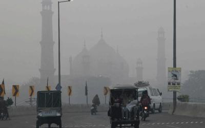 سموگ میں اضافہ ، لاہور دنیا بھر میں آلودہ ترین شہروں کی لسٹ میں دوسرے نمبر پر آ گیا