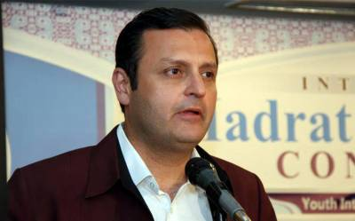 'دھرنے کا حکومت پر کوئی دباؤ نہیں، ہم تو انہیں تھکانا چاہتے ہیں' سینیٹر ولیداقبال نے حکومتی پالیسی کی وضاحت کردی