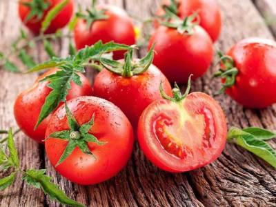 ٹماٹر کی قیمت کنٹرول کرنے کیلئے حکومت کا بڑا قدم ، پڑوسی ملک سے درآمد کا پرمٹ جاری کردیا، یہ بھارت نہیں بلکہ ۔۔۔