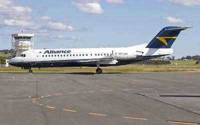 جہاز کا ٹکٹ خریدنے والے مسافروں کو ایئر لائن انتظامیہ نے بس میں بٹھا دیا، حیران کن واقعہ