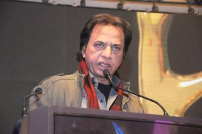 'فلم انڈسٹری نے ابھی چلنا شروع کیا ہے،دوڑے گی تو ۔۔۔ ' لیجنڈ غلام محی الدین نے امید دلادی