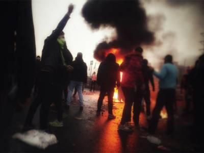 ایران میں پیٹرول کی قیمتوں کے خلاف پر تشدد مظاہرے ، اتنے لوگ مارے گئے کہ آپ کو بھی افسوس ہوگا
