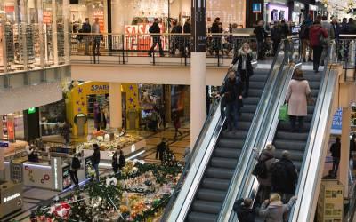شاپنگ مالز کی دکانوں کے کرائے پاکستان میں زیادہ ہیں یا امریکہ میں؟ جواب جان کر پاکستانیوں کو یقین نہ آئے