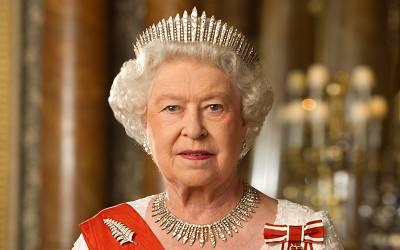 ملکہ برطانیہ نے شہزادے کو برطرف کردیا