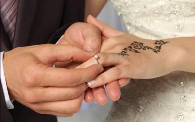 شادی پر نقدی دی جائے یا تحفہ؟پاکستانیوں نے اپنی خواہش بتادی