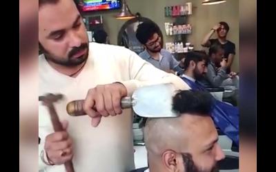 ہتھوڑے اور ٹوکے سے بال کاٹنے والا پاکستانی حجام... حیرت انگیز ویڈیو