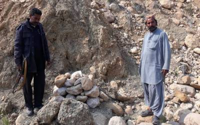 زمانہ جاہلیت کی یاد تازہ، سندھ میں 14 سالہ لڑکی کاری قرار، پتھر مار کر سنگسار کردیا گیا، والدین نے حادثہ قرار دے کر دفنادیا