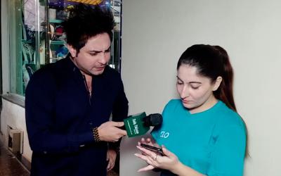 ہم نے لوگوں سے پوچھا ان کے خیال میں اس موبائل فون کی قیمت کتنی ہوگی؟ دیکھئے اس ویڈیو میں