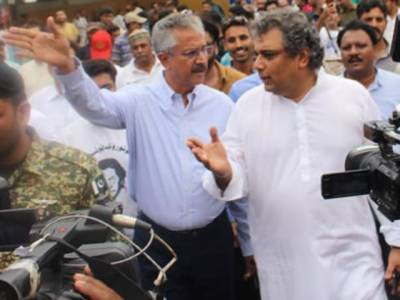 کراچی میں آئندہ ہفتے سے آٹے کے بحران کا خدشہ،غلط پالیسیوں کی وجہ سے فلورملزپرقابونہیں پایاگیا :علی زیدی