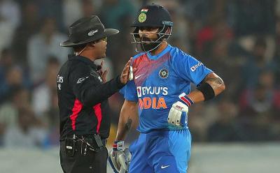 بھارت اور ویسٹ انڈیز کے درمیان پہلے ٹی 20 میچ میں امپائرنگ کے حوالے سے نئی تاریخ رقم ہو گئی