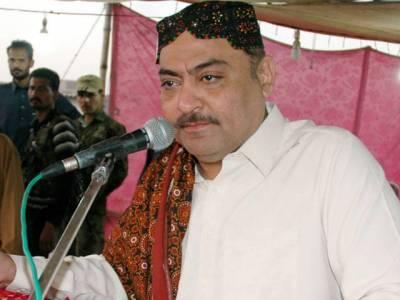 حکومت کی ایک کروڑ نوکریاں کٹے اور مرغیاں کھا گئیں:عبدالقادر پٹیل