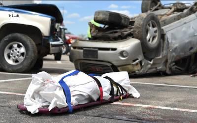 ڈمپرنے مسافر وین کو کچل دیا،4 افراد جاں بحق،15 زخمی