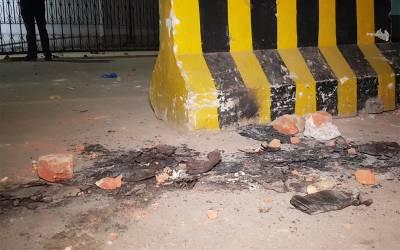 پی آئی سی پر حملہ ، وکلاءمیں شامل عمران خان کے بھانجے حسن نیازی نے فیاض الحسن چوہان پر کیے جانے والے تشدد پر موقف جاری کر دیا