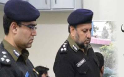 پولیس نے دومرتبہ وکلاءکودھکیل کر پی آئی سی سے باہرنکالا،سی سی پی او لاہور