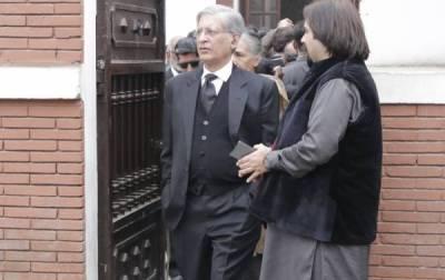 سانحہ پی آئی سی کی مذمت کرنا اعتزاز احسن کو مہنگا پڑگیا، راولپنڈی بار میں داخلہ بند