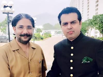 """شہزاد اکبر سیاسی انتقام کا """"ہامون جادوگر"""" ہے:طلال چوہدری"""