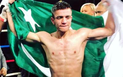 پاکستانی باکسر عثمان وزیر نے سبز ہلالی پرچم بلند کر دیا، کیا شاندار کارنامہ سرانجام دیا اور آگے کیا کرنا چاہتے ہیں؟ پاکستانیوں کیلئے زبردست خوشخبری آ گئی