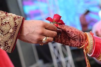 8شادیاں کرنے والے مرد کی 9ویں شادی کینسل ہوگئی