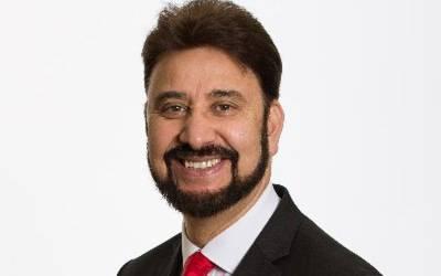 پاکستانی نژاد برطانوی رکن پارلیمنٹ نے حلف برداری کے دوران ایسا کام کردیا کہ پاکستانی اور برطانوی سب حیران رہ گئے