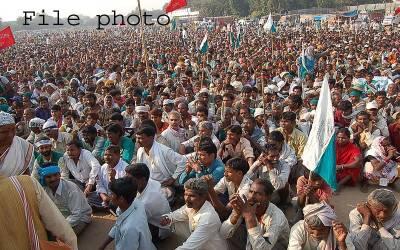 شہریت کے متنازعہ قانون کیخلاف بھارت میں احتجاجی مظاہرے،پولیس کا طاقت کا استعمال،2 ہزار سے زائد مظاہرین کو گرفتار کرلیا