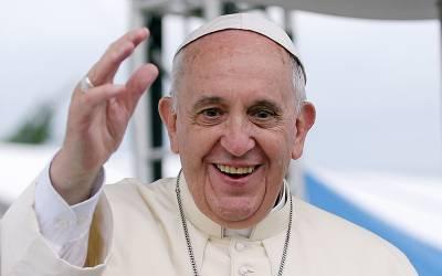 خاتون کے ہاتھ لگانے پر پوپ فرانسس کو شدید غصہ چڑھ گیا