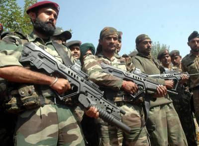بھارتی فوج کی گاڑی اپنی ہی بچھائی ہوئی بارودی سرنگ کا نشانہ بن کر تباہ