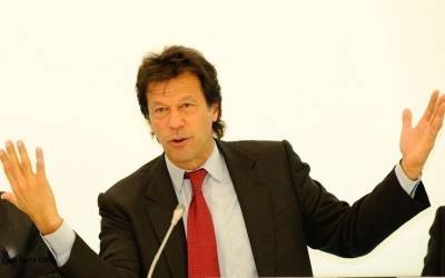 'شیخ رشید صاحب جس طرح آپ اپنی گاڑی کا خیال رکھتے ہیں ایسے ہی۔۔۔'عمران خان بھرے جلسے میں وزیرریلوے کوہدایت کردی
