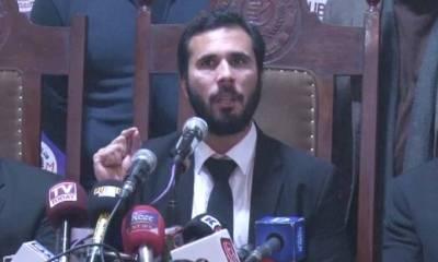 وزیر اعظم کے بھانجے حسان نیازی ایک بار بھر مشتعل، ویڈیو انٹرنیٹ پر وائرل ہوگئی