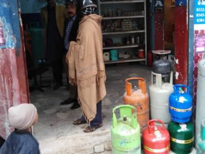 سندھ حکومت کا شہری آبادیوں میں قائم غیر قانونی ایل پی جی گیس کی دکانوں کے خلاف کارروائی کا فیصلہ