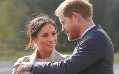 شہزادہ ہیری اورمیگھن مارکل کے عہدہ چھوڑنے سے پہلے کس کو بتا دیا تھا،برطانوی میڈیانام سامنے لے آیا،جان کر آپ بھی حیران رہ جائیں گے