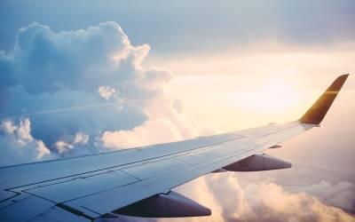 امریکہ کا مسافر طیارہ اڑان بھرنے کے کچھ ہی دیر بعد گرکر تباہ، جانی نقصان