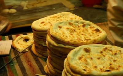 کراچی میں روٹی اور نان کا وزن اور قیمت مقرر کر دی گئی