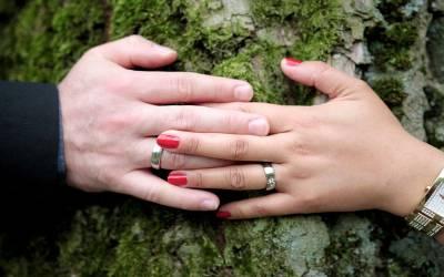 پسند کی شادی کے حوالے سے پاکستانی والدین کی رائے میں واضح تبدیلی، کتنے فیصد والدین لو میرج کے حق میں ہیں؟ حیران کن سروے
