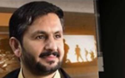 """""""فیصل واوڈا یہ کام کرکے اپنی قیادت کوبے عزت کررہے ہیں""""سلیم صافی نے مثال دیکر سمجھا دیا"""