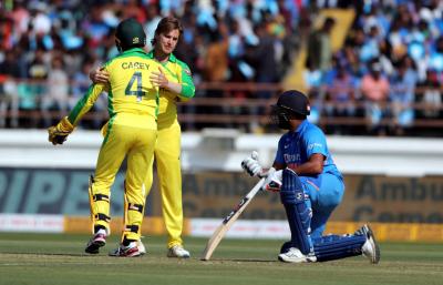 بھارت نے رنز کا پہاڑ کھڑا کر دیا، آسٹریلیا کو اتنے رنز کا ہدف دیدیا کہ آپ بھی حیران رہ جائیں