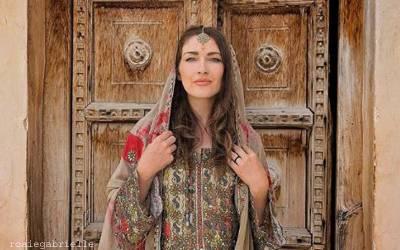 کینیڈین خاتون سیاح نے اسلام قبول کرنے کی ویڈیوکیوں جاری کی؟
