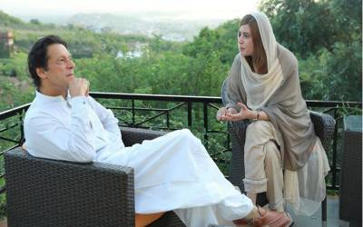 'عمران خان کی مسکراہٹ قاتلانہ ہے' زرتاج گل وزیر نے کپتان کی 'خوبیاں' گنوادیں